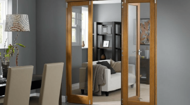 Дбаємо про двері: перевірені засоби і маленькі хитрощі